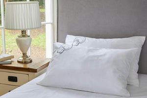 Organic cotton pillowcase with dog embroidery