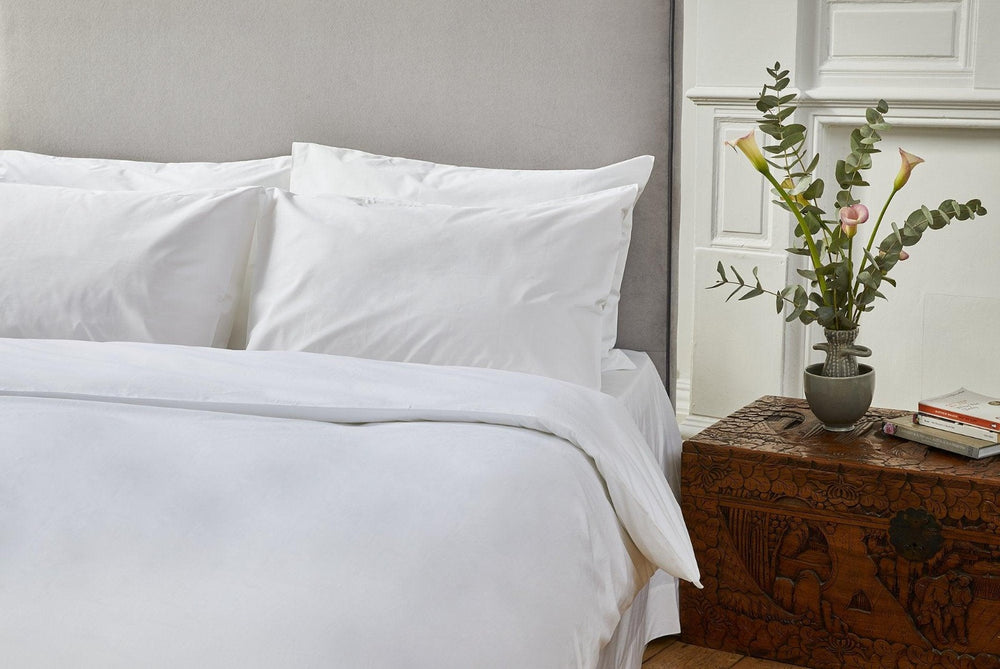 Classic white Sleep Organic Duvet set; Bano duvet set