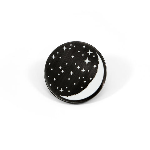 Jag Lever Waxing Moon Pin
