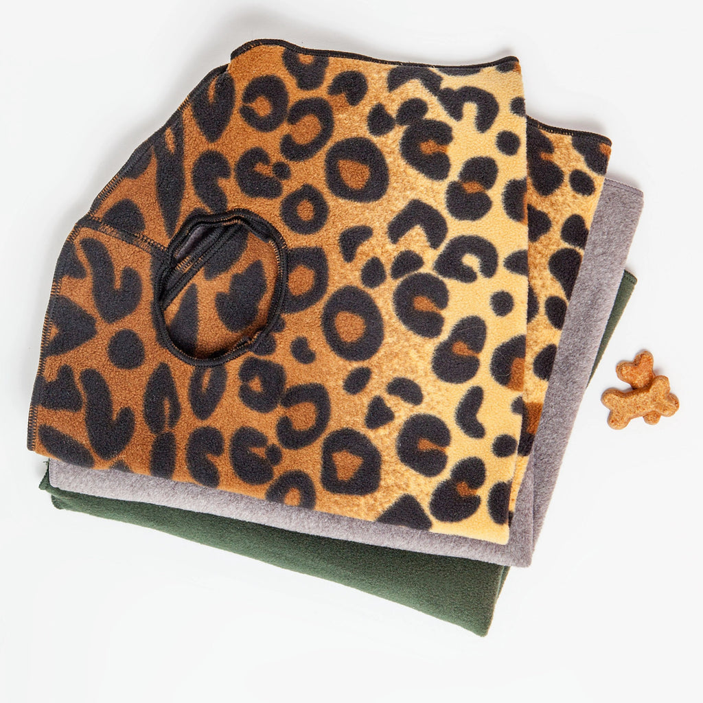 Stretch Fleece Pullover in Leopard Print