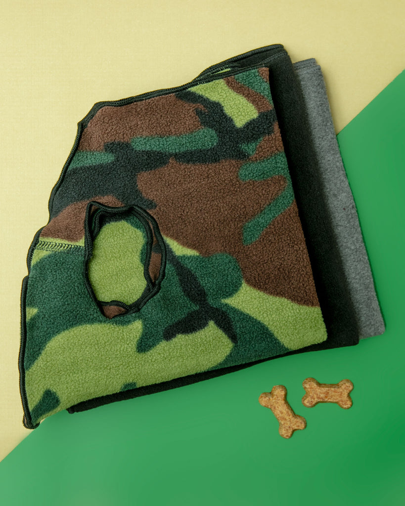 Stretch Fleece Pullover in Modern Camo Print