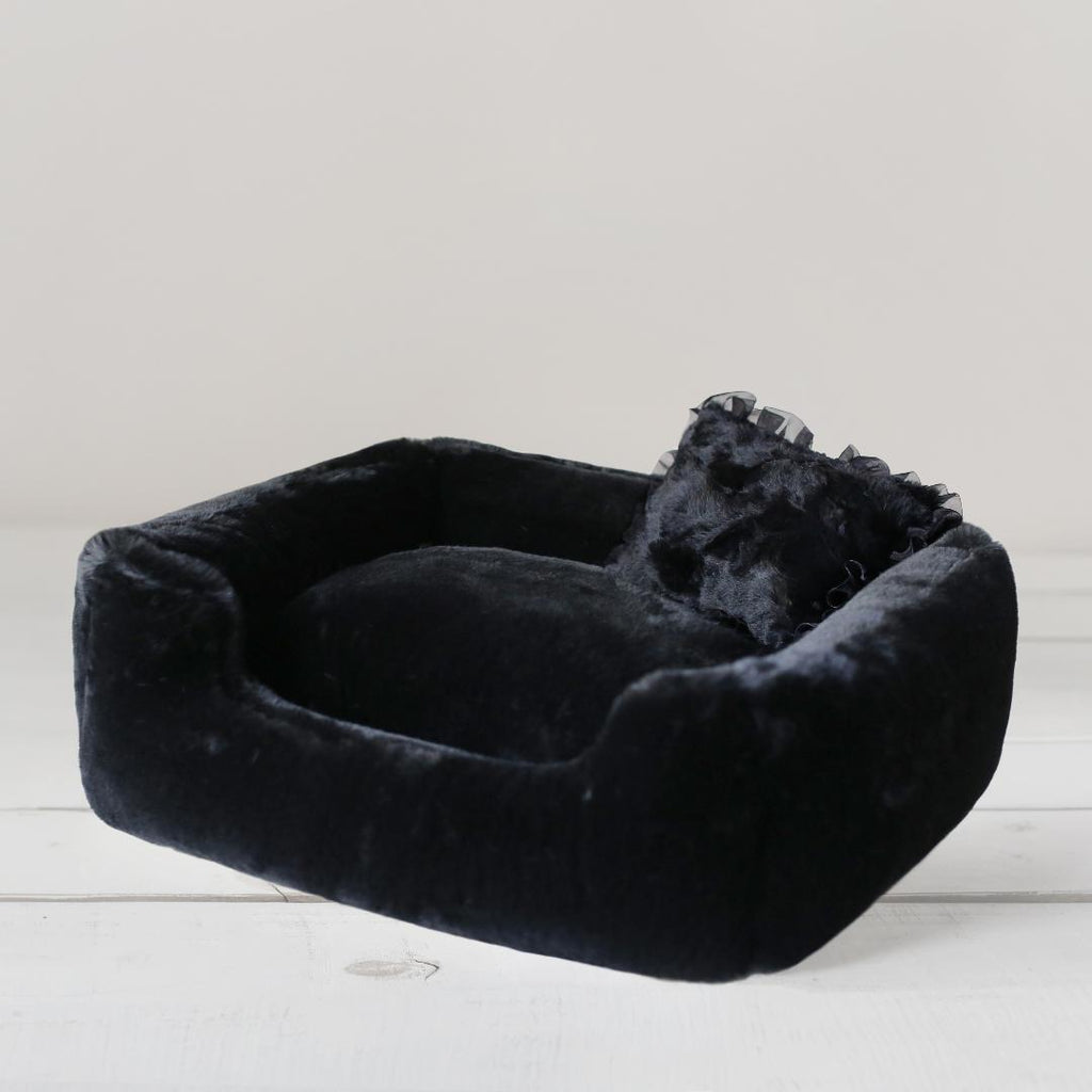The Divine Dog Bed in Black (Custom / Drop Ship)