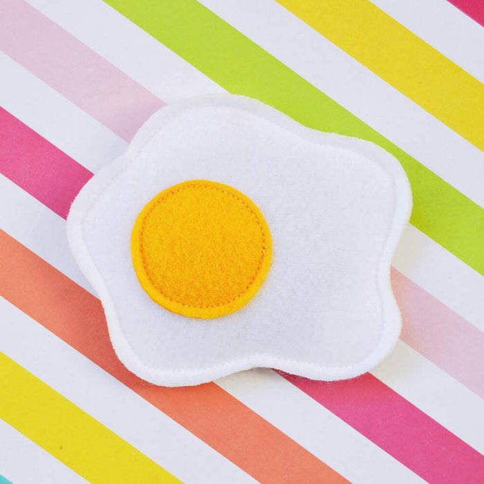 HOUSECAT CLUB | Catnip Fried Egg Toy