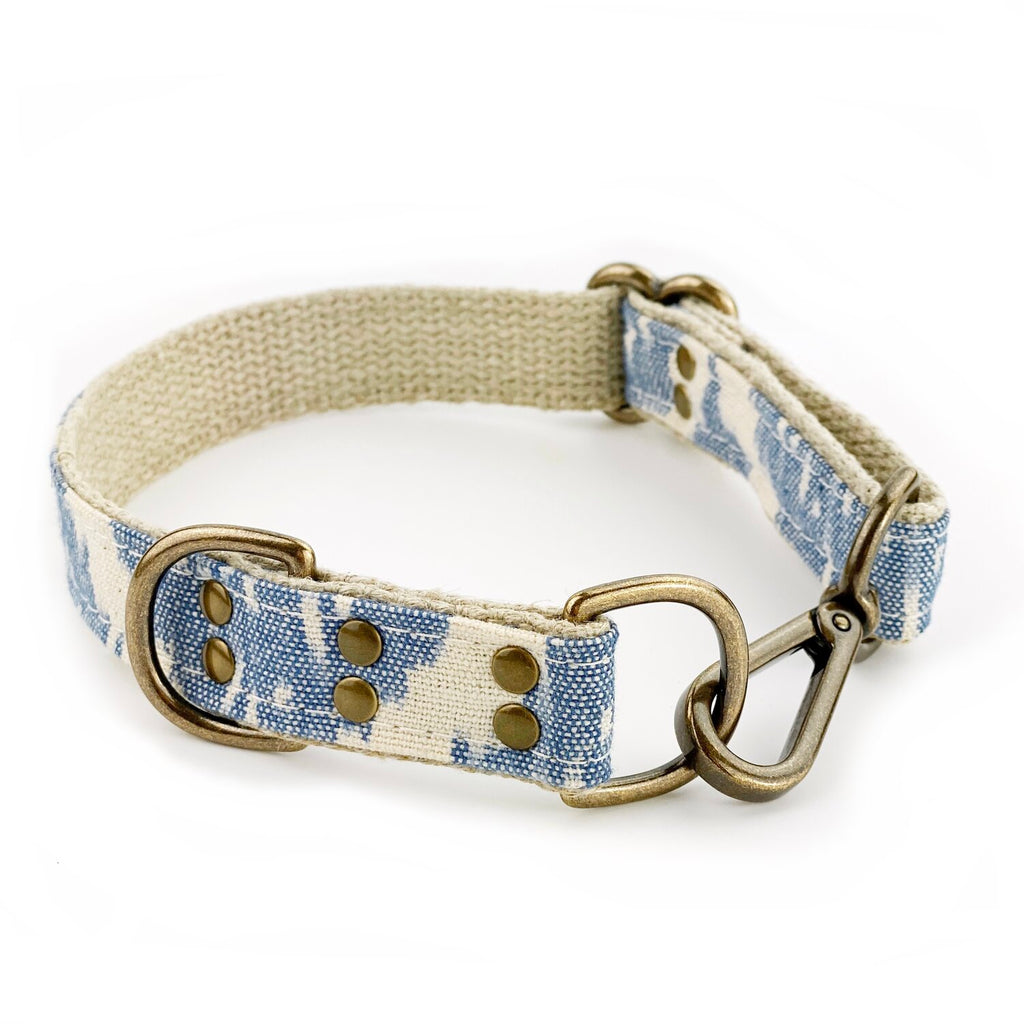Pale Blue Ikat Leash & Collar Set (Drop-Ship)