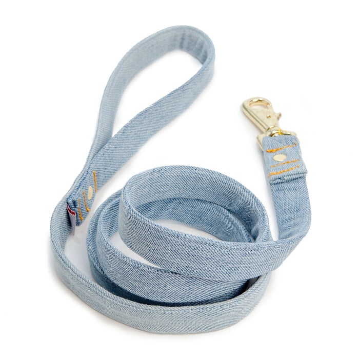 SHED | Mom Jeans Leash in Light Wash