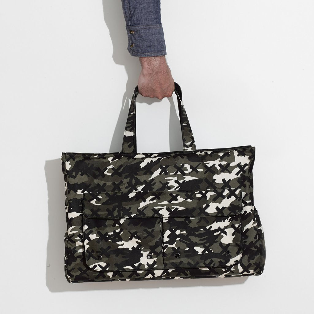 MR. DOG | Small Travel Tote in Camo-X Black