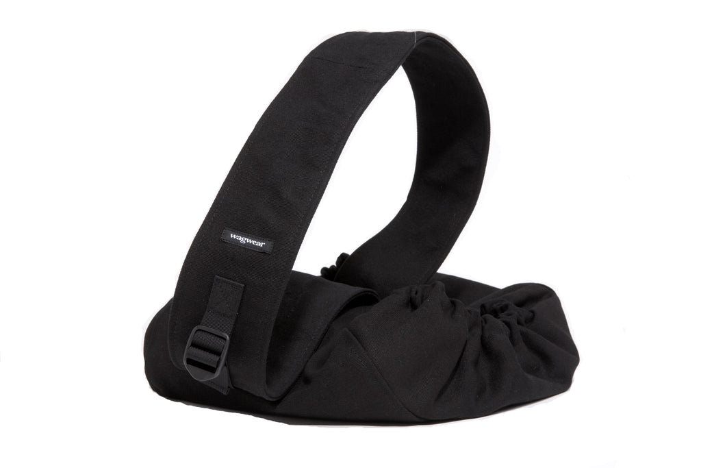 WAGWEAR | Messenger Pouch Carrier in Black