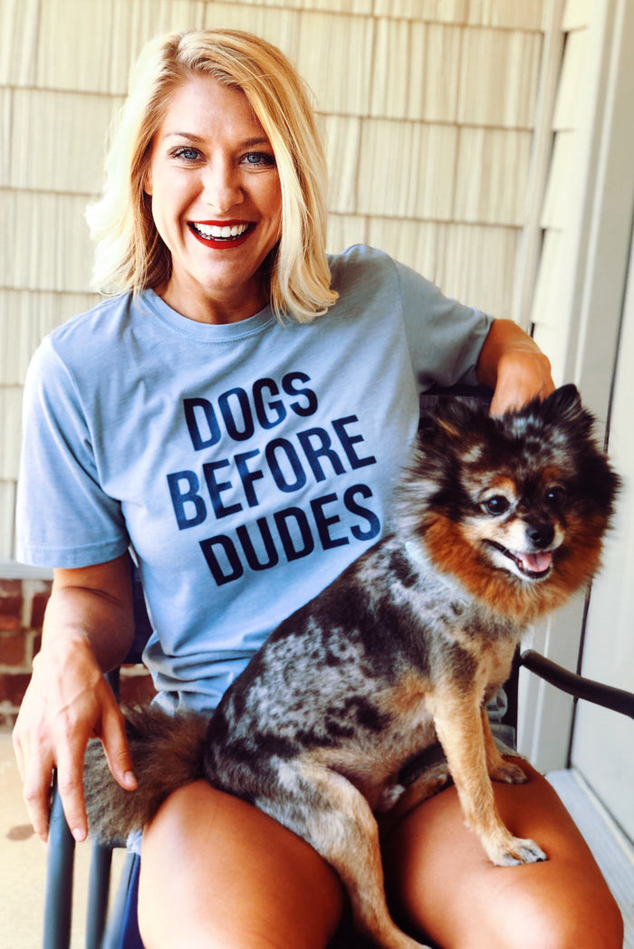 NELLIE MAE | Dogs Before Dudes Tee