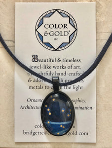 Color & Gold Sky Light Black Oval Necklace