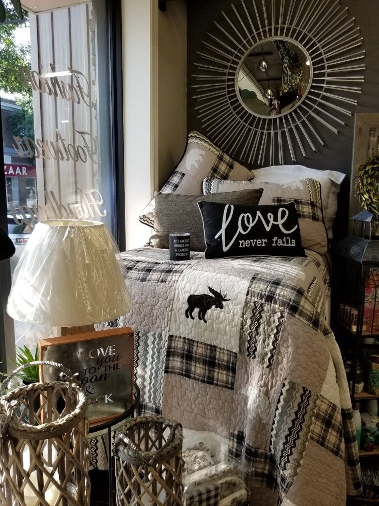 Northern Moose Quilt Set