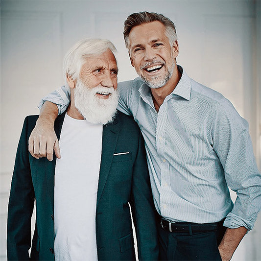 Aad was never close with his son Remco due to a traumatic incident that happened 30 years ago. Thanks to a vacation together, the two were able to bond and talk about the mental and physical health issues that plagued Aad and are now the best of friends and coworkers in the modelling industry.