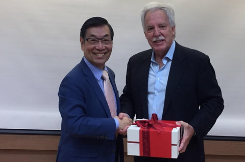 Dr. Fu-Chan Wei and Dr. Frederick Menick at the Chang Gung Forum 2018 in Taiwan