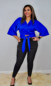 Oversize Crop Shirt That Has Waist Ribbon