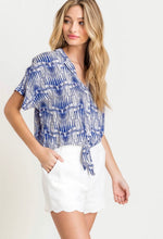 BUTTON DOWN SHIRT WITH FROM KNOT