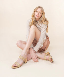 RAFFIA-WHEAT WOVEN DOUBLE BAND SANDAL