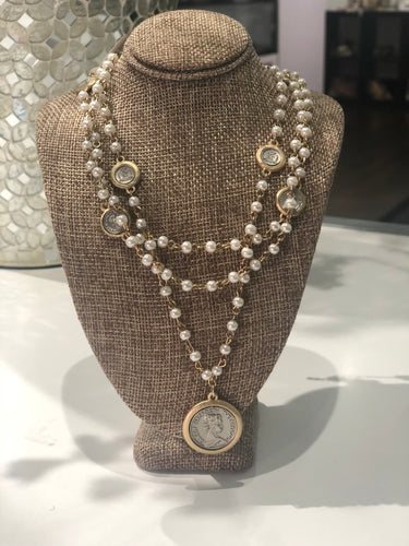 SHORT PEARL PENNY NECKLACE