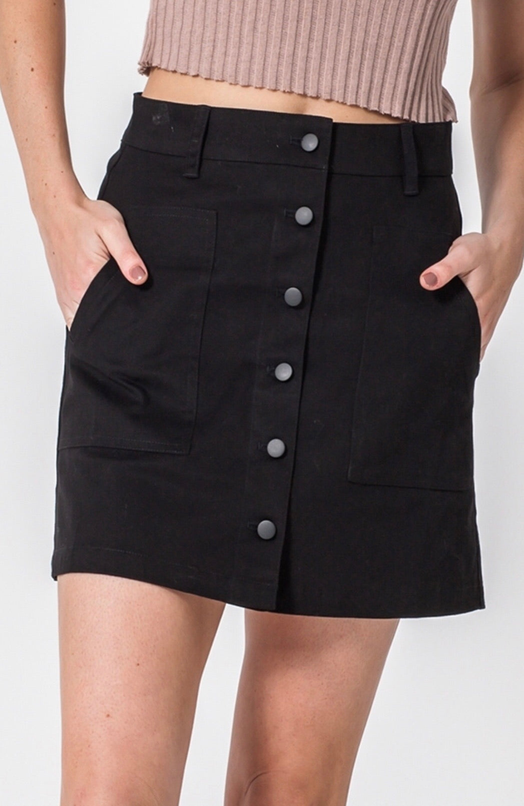 BUTTON UP BLK SKIRT WITH POCKETS