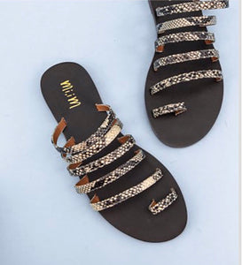 SNAKE STRAPPY STUDDED TOE LOOP SANDALS