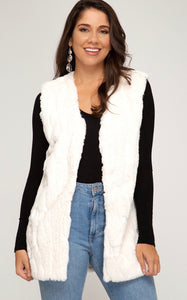 SLEEVELESS FAUX FUR VEST WITH POCKETS