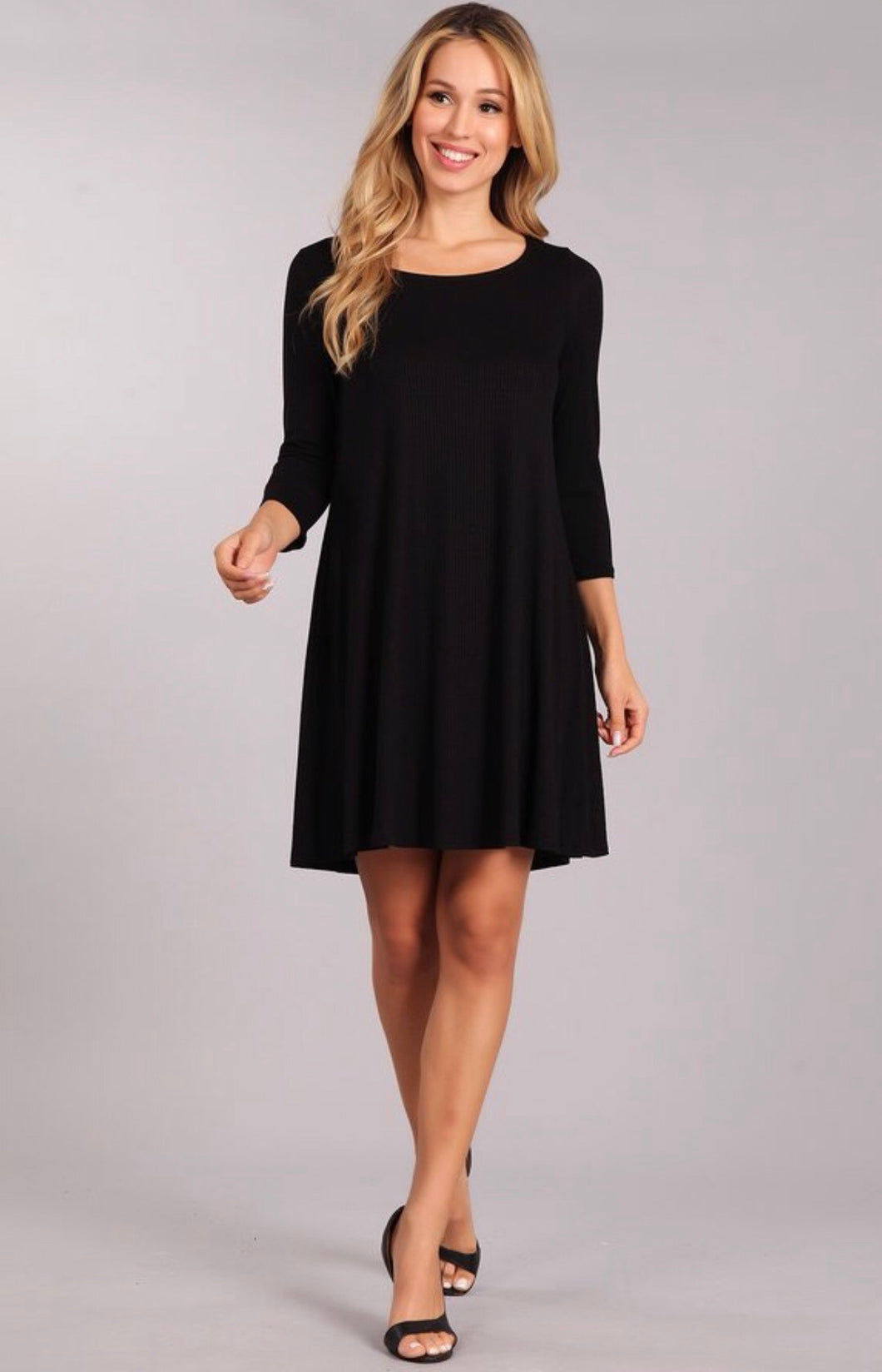 SOLID, 3/4 SLEEVE DRESS WITH A ROUND NECKLINE