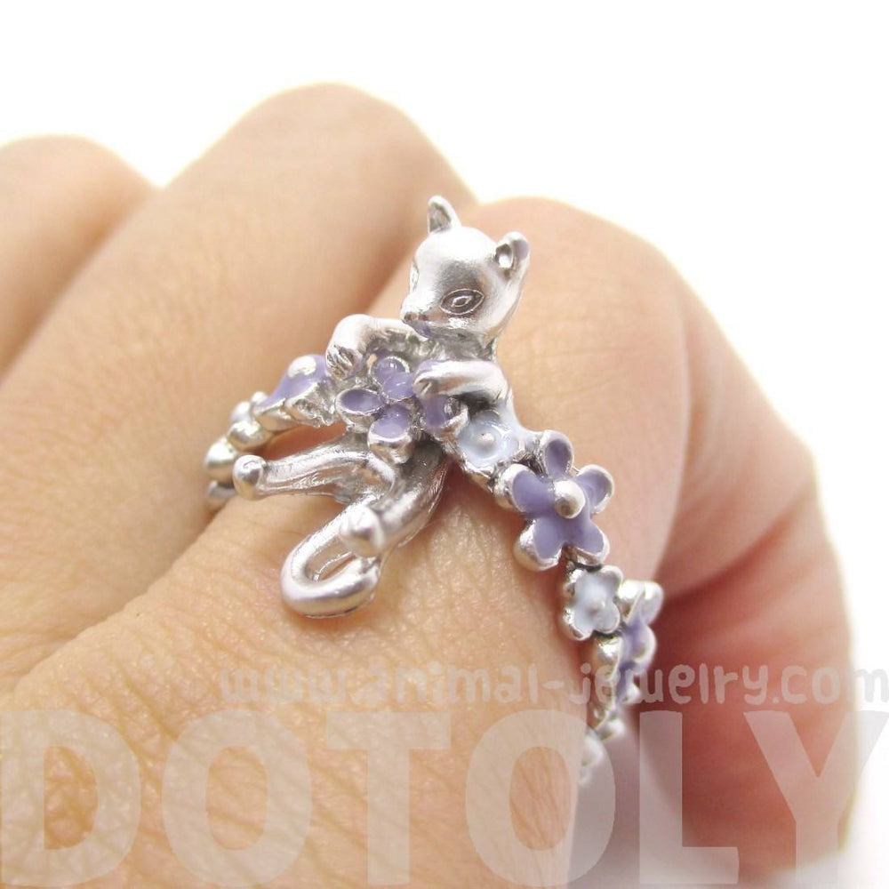 3D Kitty Cat Shaped Animal Ring on a Floral Band in Silver | DOTOLY