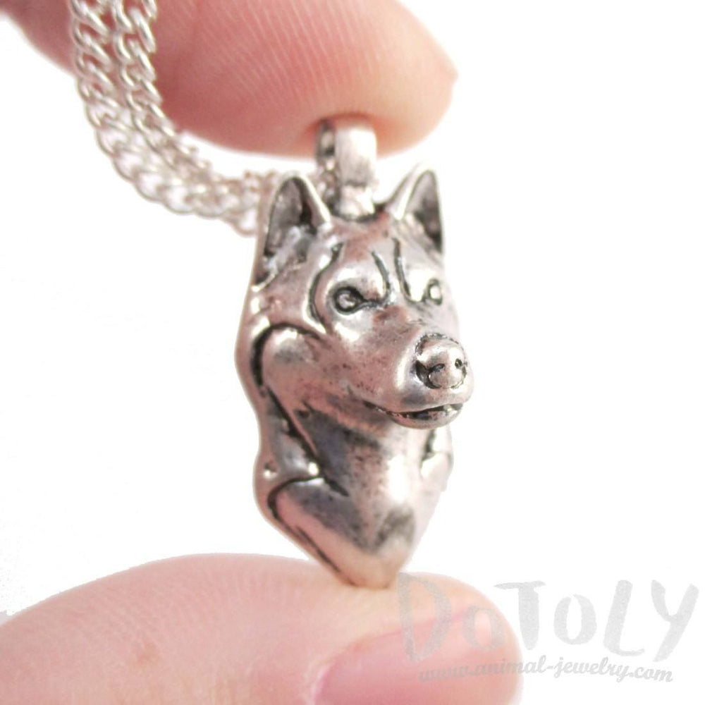 3D Lifelike Siberian Husky Face Shaped Pendant Necklace | Jewelry for Dog Lovers | DOTOLY