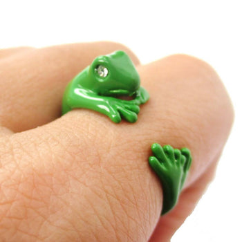 3D Lizard Gecko Frog Shaped Animal Wrap Around Ring in Green | Size 4 to 9 Available | DOTOLY