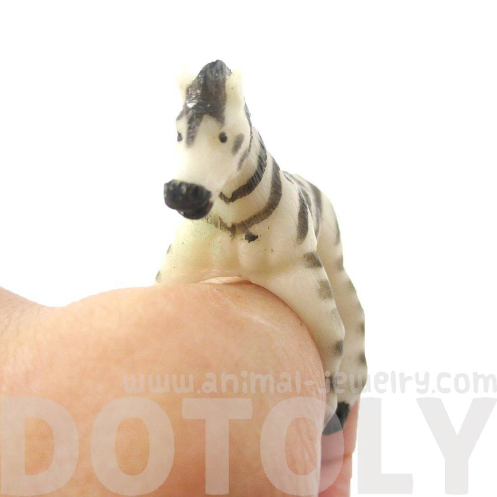 3D Zebra Horse Figurine Shaped Animal Wrap Ring for Kids | US Size 3 to size 6 | DOTOLY