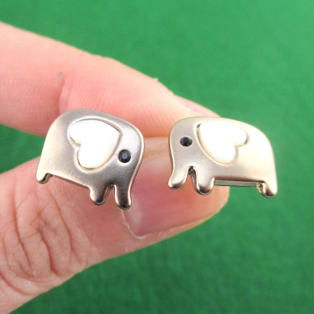 Elephant Animal Stud Earring in Dark Silver with Heart Shaped Ears
