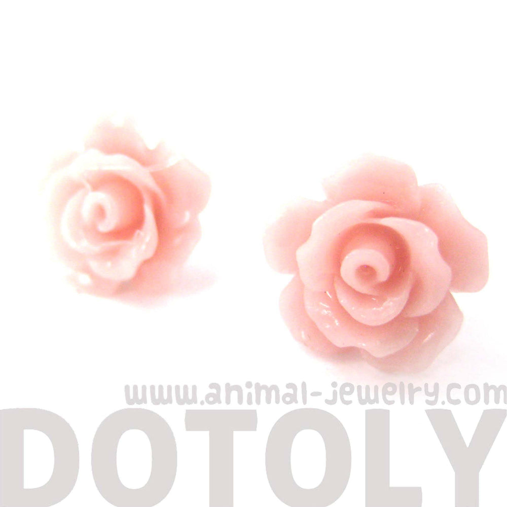 classic-resin-floral-rose-stud-earrings-in-light-pink-dotoly