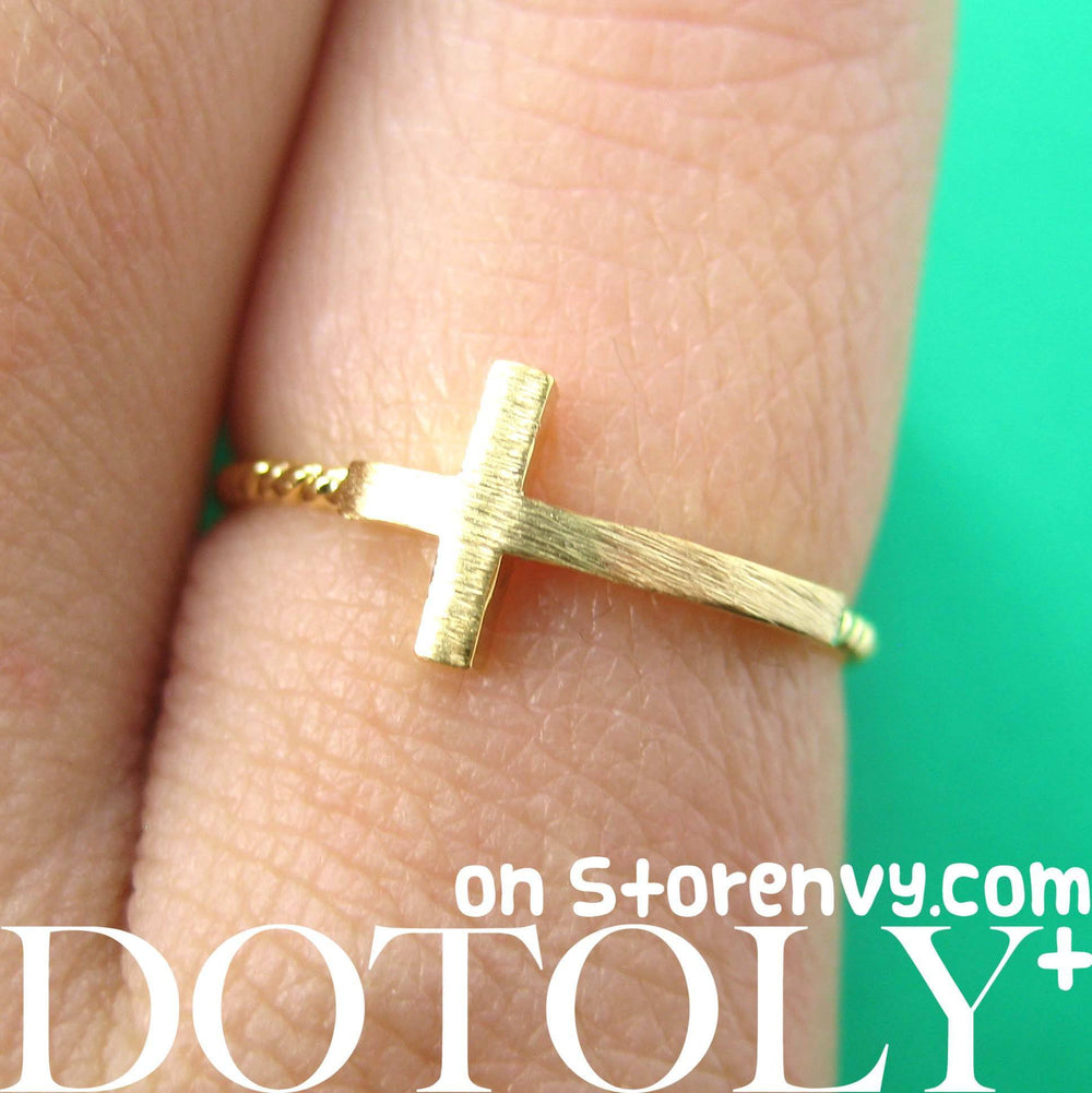 classic-cross-shaped-sideways-bar-shaped-ring-in-gold-size-6-only