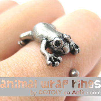 Leap Frog Realistic Animal Ring in Silver - Size 4 to 8.5 Available | DOTOLY