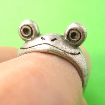 Froggy Googly Eyed Animal Wrap Ring in Silver - Sizes 5 and 6 Only | DOTOLY