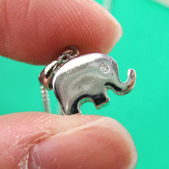 Simple Elephant Shaped Animal Charm Pendant Necklace in Silver | DOTOLY