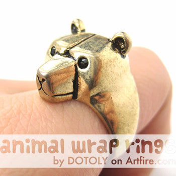 3D Adjustable Polar Bear Animal Wrap Around Hug Ring in Shiny Gold | Animal Jewelry | DOTOLY