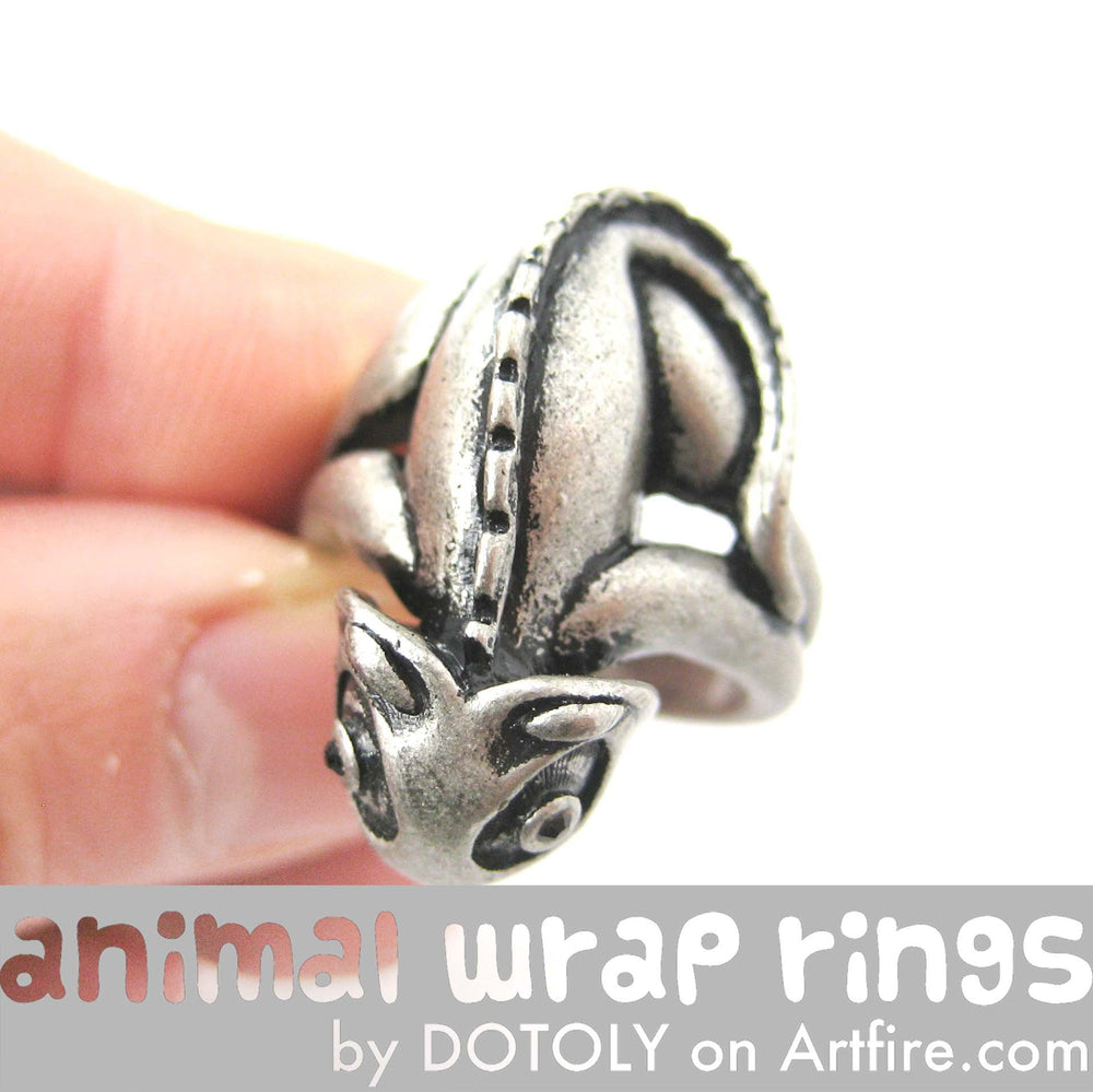 3D Adjustable Iguana Chameleon Animal Wrap Around Hug Ring in Silver | Animal Jewelry | DOTOLY