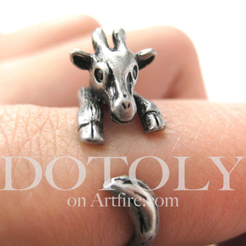 Baby Giraffe Animal Wrap Around Ring in Silver - Sizes 4 to 9 Available | DOTOLY