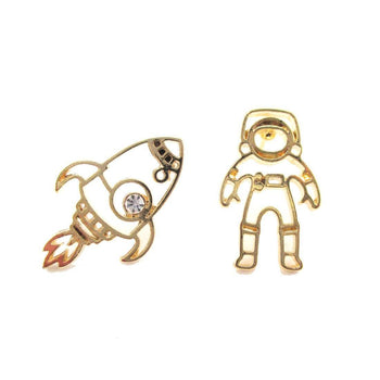 Astronaut and Rocket Outline Shaped Space Themed Stud Earrings in Gold | DOTOLY | DOTOLY
