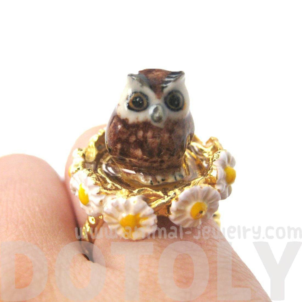 Baby Barn Owl Shaped Ceramic Porcelain Animal Ring with Daisy Textured Border | Limited Edition | DOTOLY