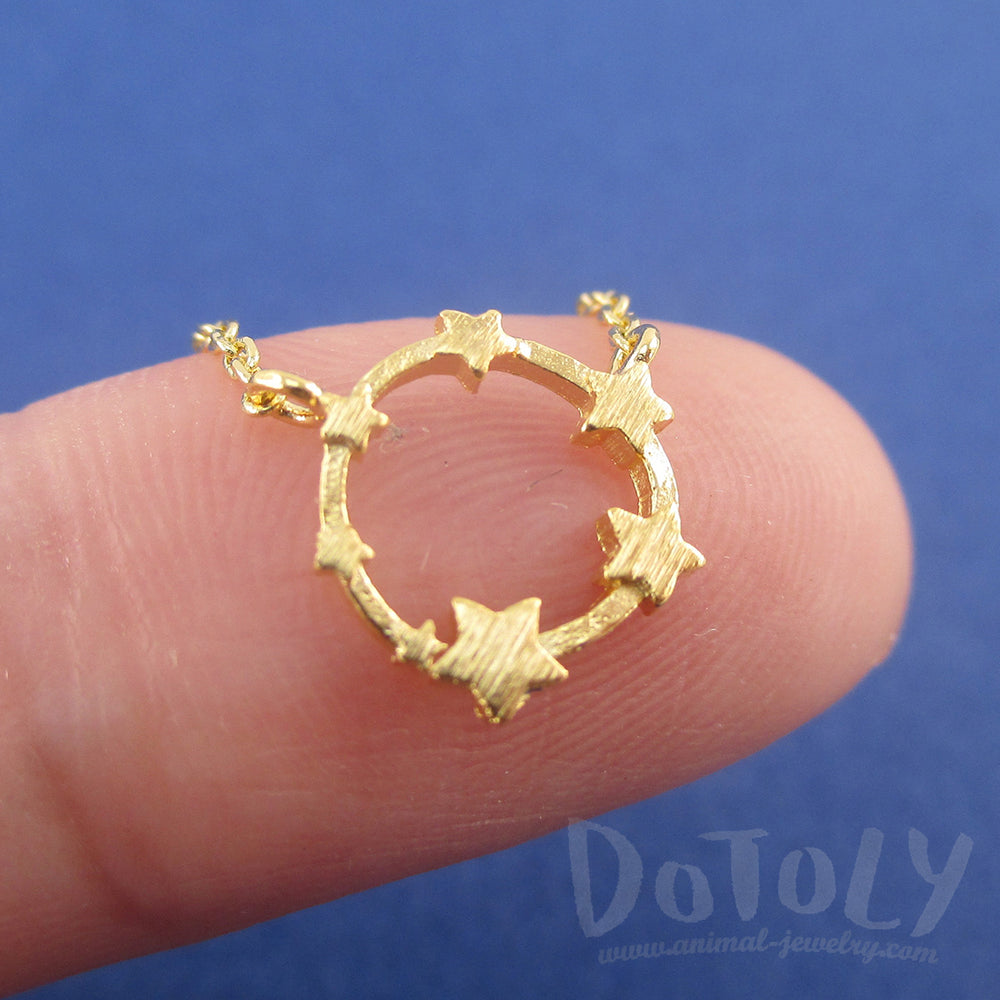 Celestial Stars Shaped Round Pendant Necklace in Gold