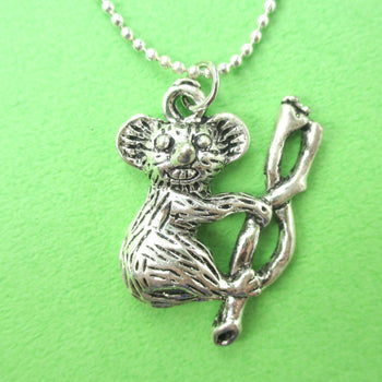 Classic Koala Bear Shaped Animal Pendant Necklace in Silver | DOTOLY