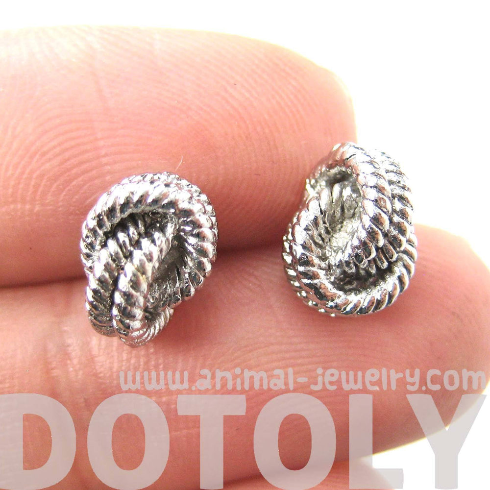 classic-nautical-themed-rope-knot-shaped-stud-earrings-in-silver