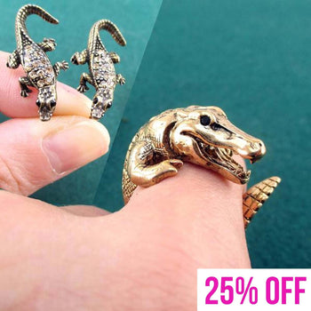 Crocodile Inspired Alligator Shaped Ring and Stud Earring Set | DOTOLY