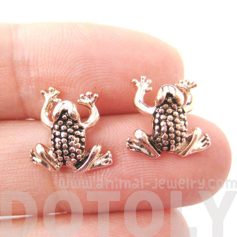 Detailed Frog Toad Shaped Animal Themed Stud Earrings in Rose Gold