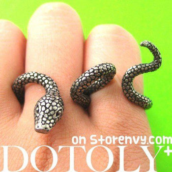adjustable-realistic-snake-animal-two-finger-double-ring-in-silver