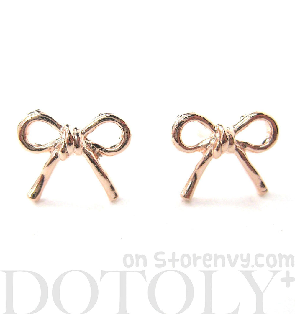 simple-bow-tie-ribbon-knot-shaped-stud-earrings-in-light-gold
