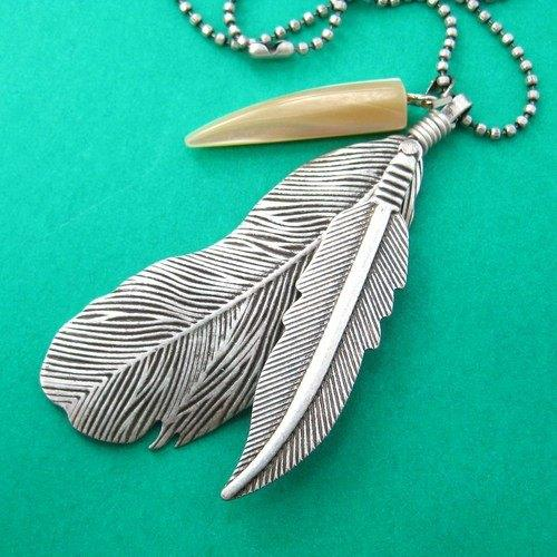 Bohemian Feather Pendant Necklace in Silver | DOTOLY | DOTOLY