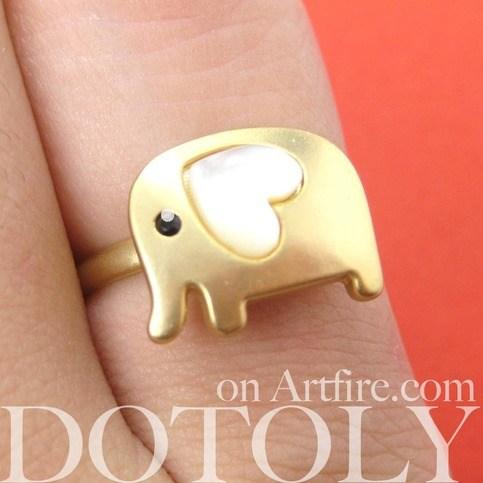 adjustable-cute-elephant-ring-in-gold-with-pearl-heart-shaped-ears