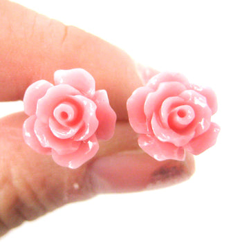 Classic Floral Rose Stud Earrings in Pink | DOTOLY | DOTOLY