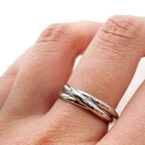 three-connected-rings-linked-into-one-ring-in-silver-sizes-4-to-8